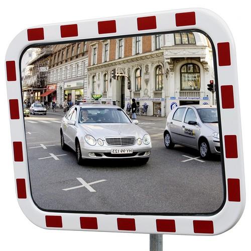 Trafikspeglar med reflexram
