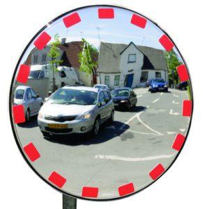 Trafikspegel med reflextejp