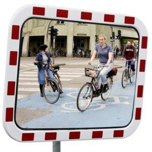 Trafikspegel med reflexram. Acryl.